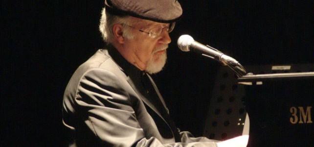 """La lingua, la cultura, l'identità e la musica secondo il """"cinghiale"""" Piero Marras"""