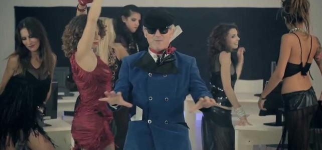 Alverio Cau, one man show tra musica e comicità